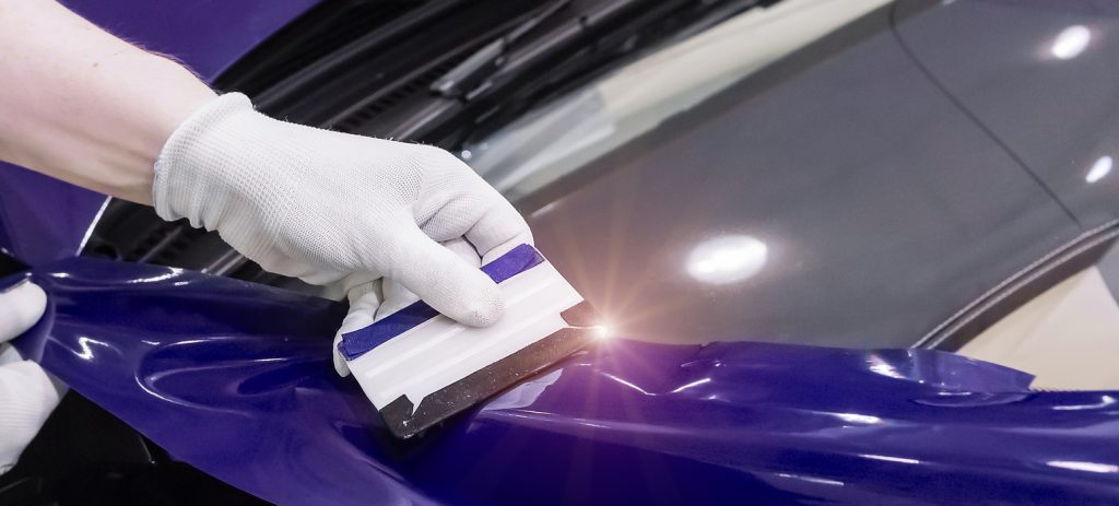 Specialist pasting car with vinyl film